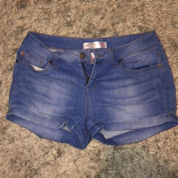 No Boundaries Pants - Short shorts